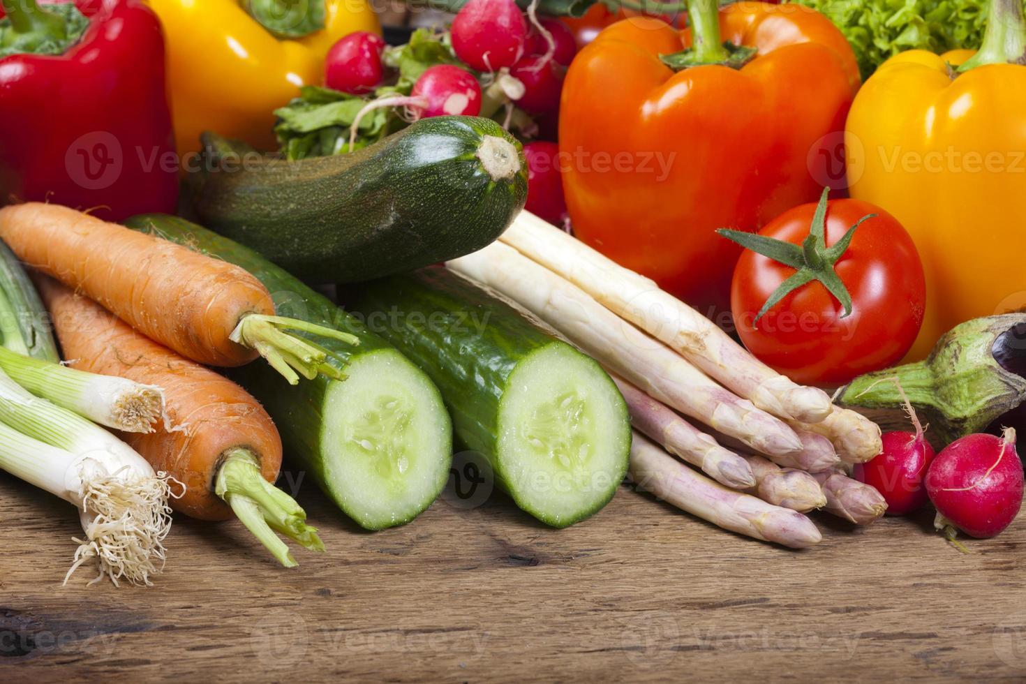 diverse verdure fresche gustose foto