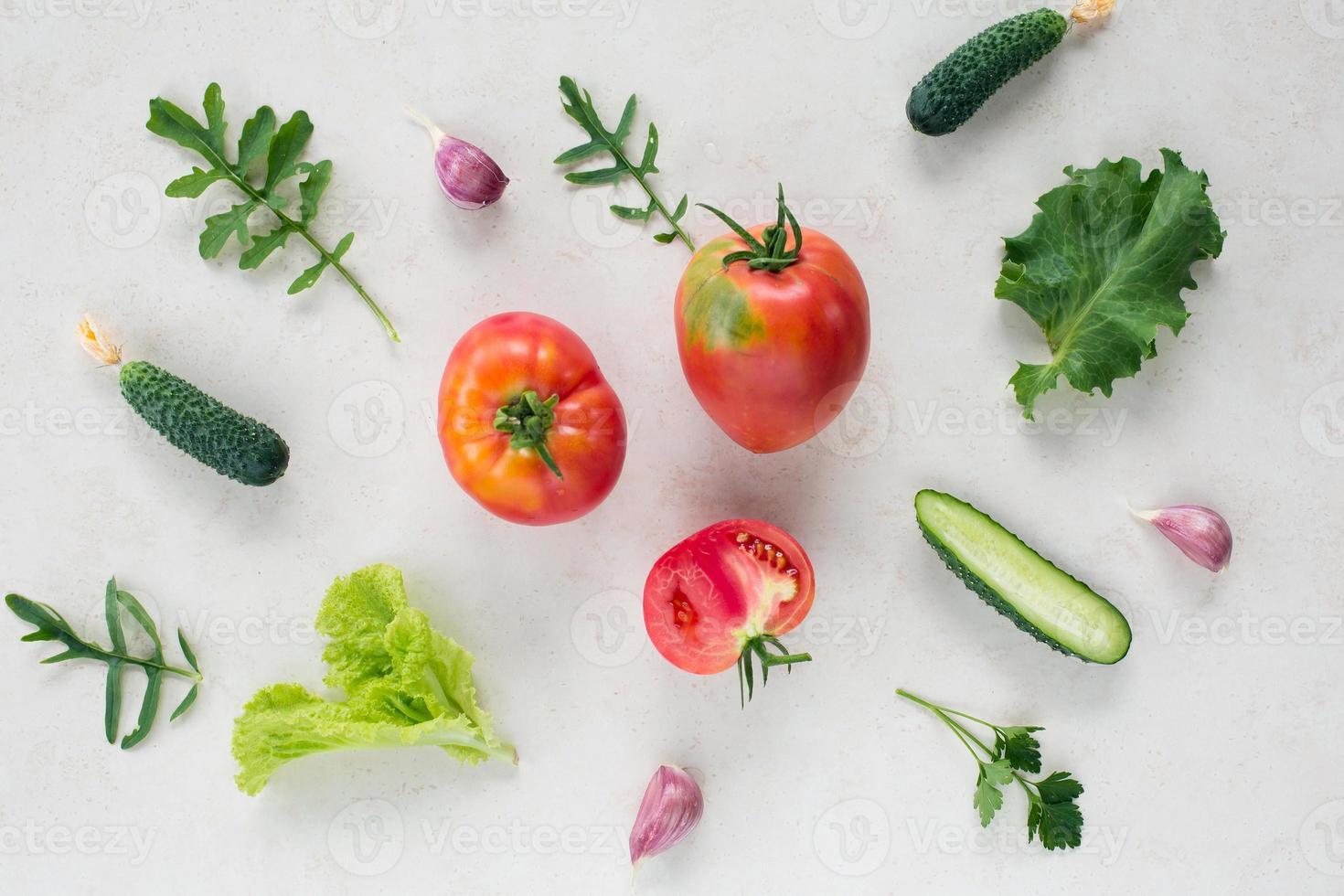 vista dall'alto del modello di verdure fresche foto