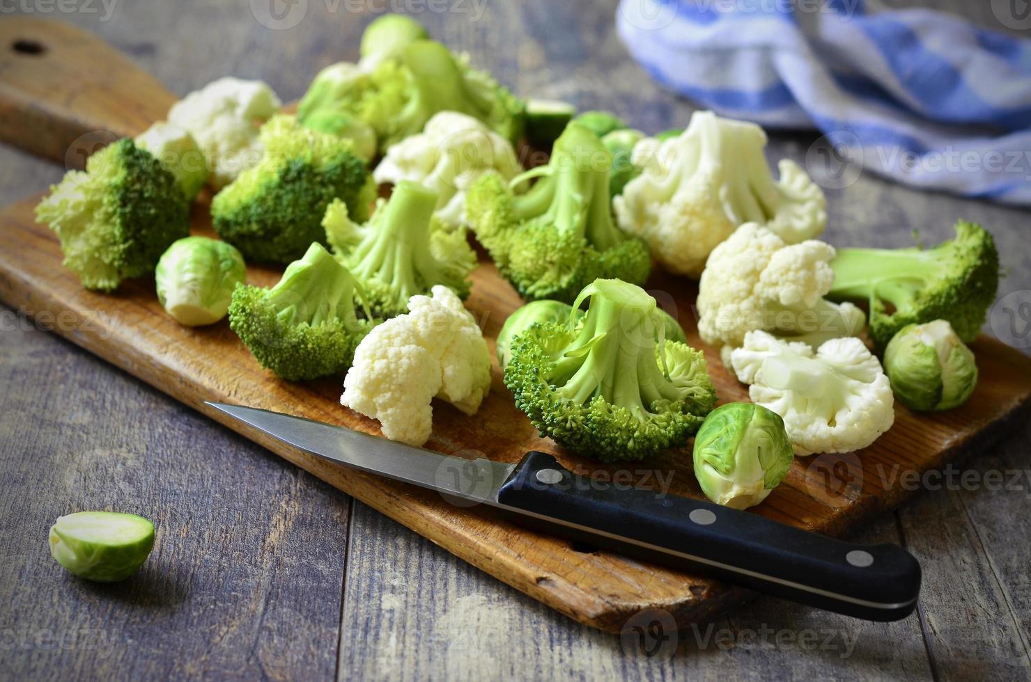 cavoletti di Bruxelles, broccoli e cavolfiori. foto