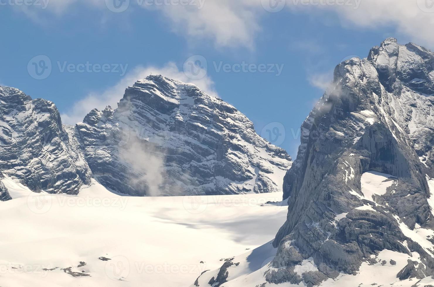 paesaggio montano in austria. foto
