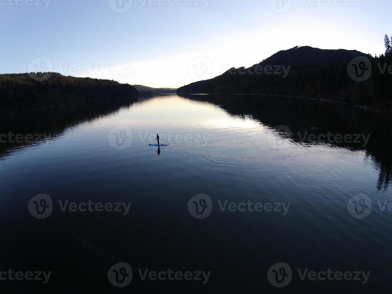 paddle boarding in paradiso foto