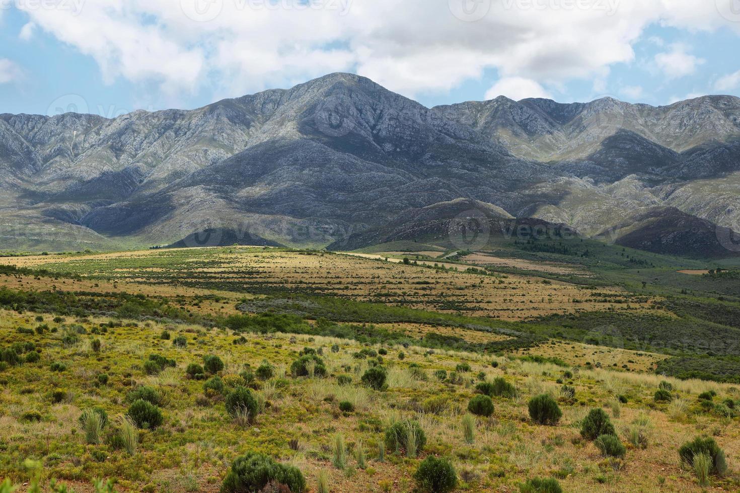 paesaggio montano vicino a Oudtshoorn foto