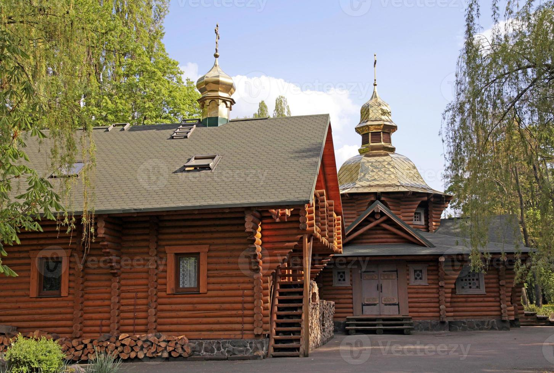 chiesa ortodossa di legno a Kiev foto