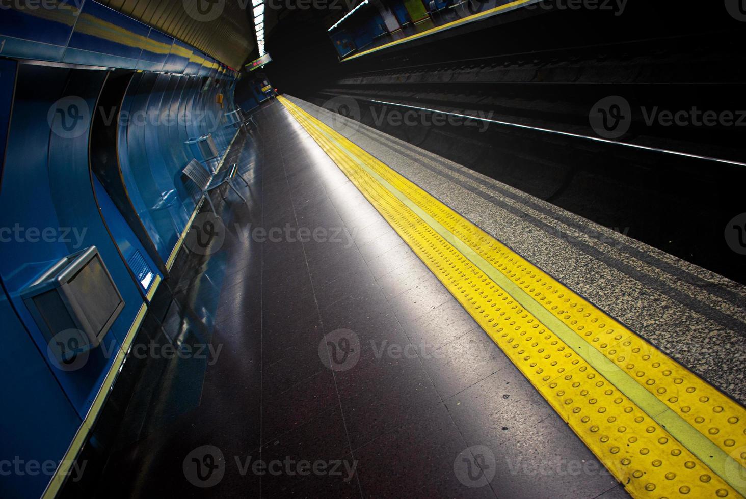 stazione della metro foto