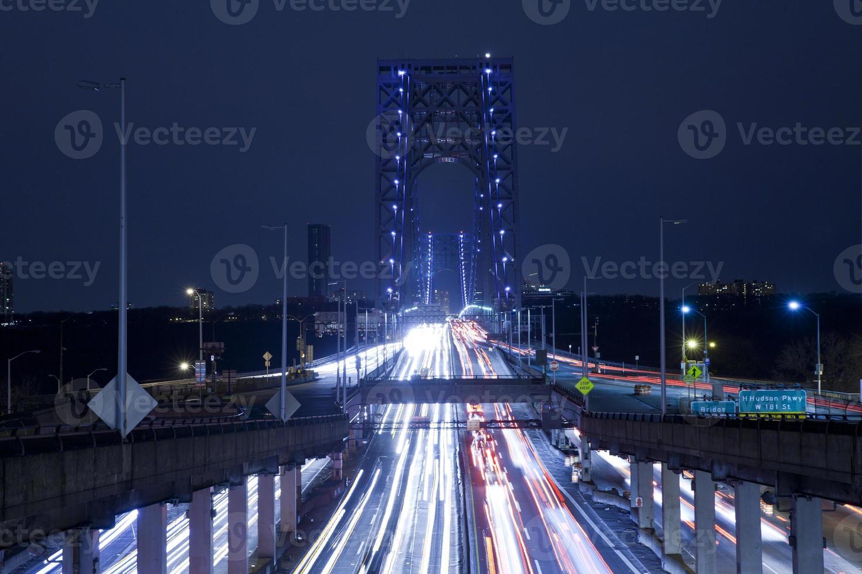 scie luminose al ponte di George Washington foto