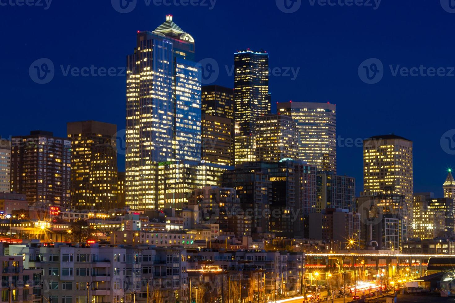 paesaggio urbano di Seattle la sera foto