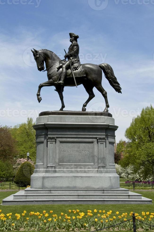 Statua di George Washington nei giardini pubblici foto