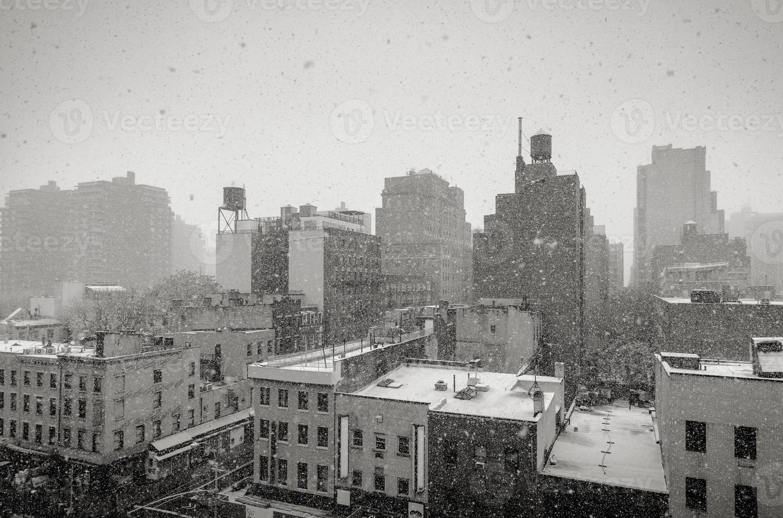 nevicando a New York City foto