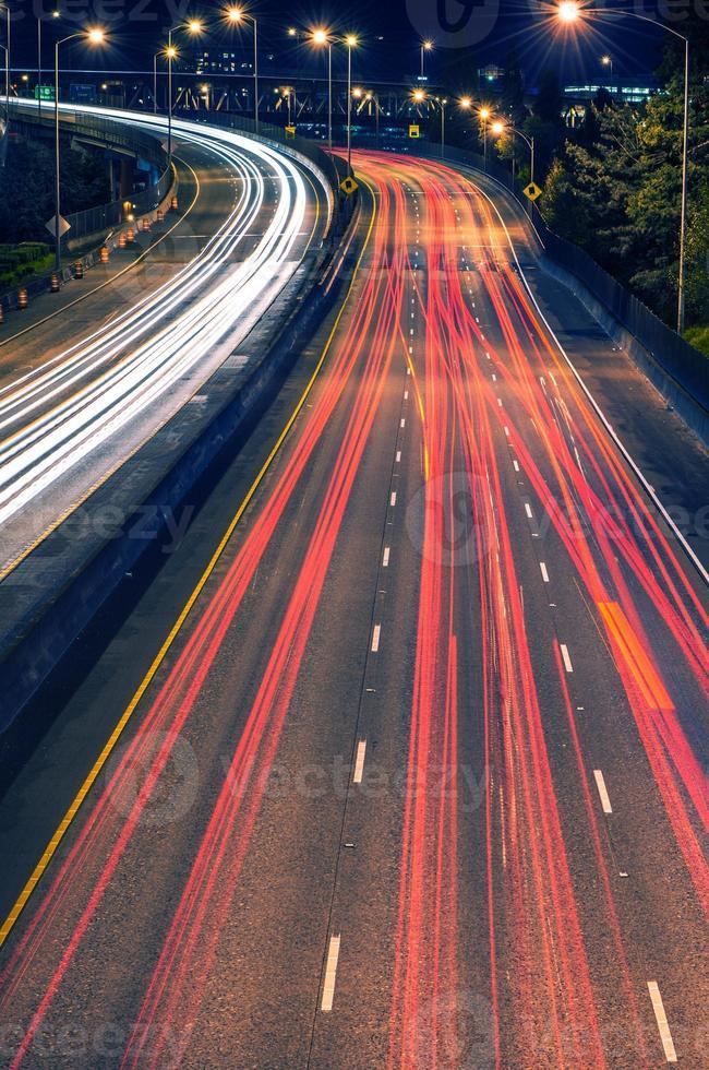 autostrada traffico notturno portland foto