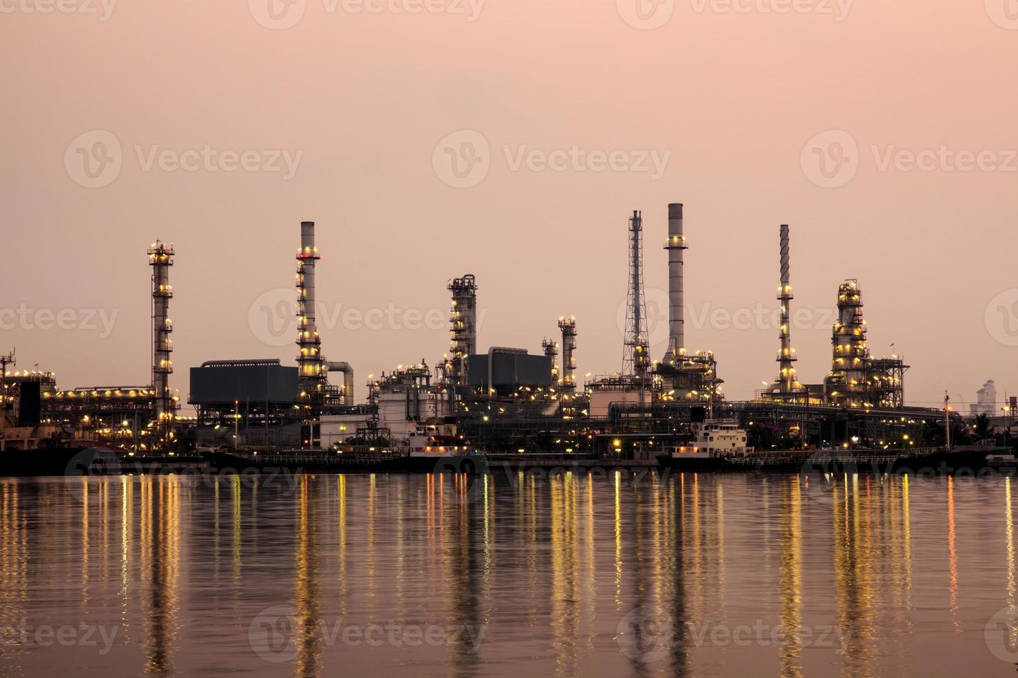 raffineria di petrolio a Bangkok in Tailandia. foto