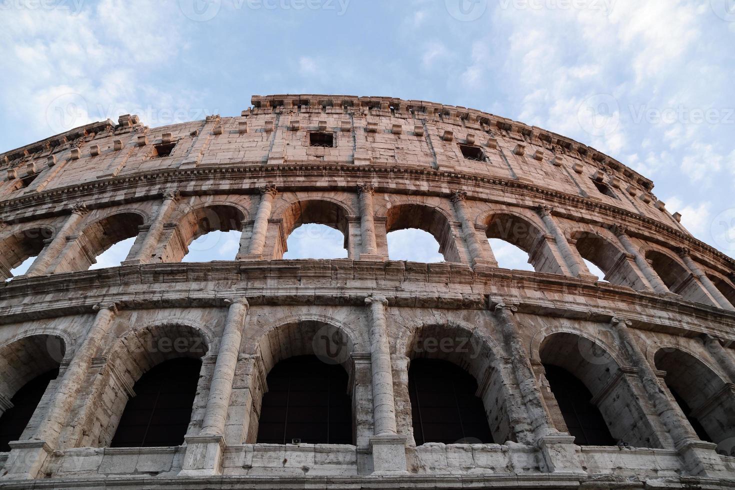 the colosseum - roma (italia) foto