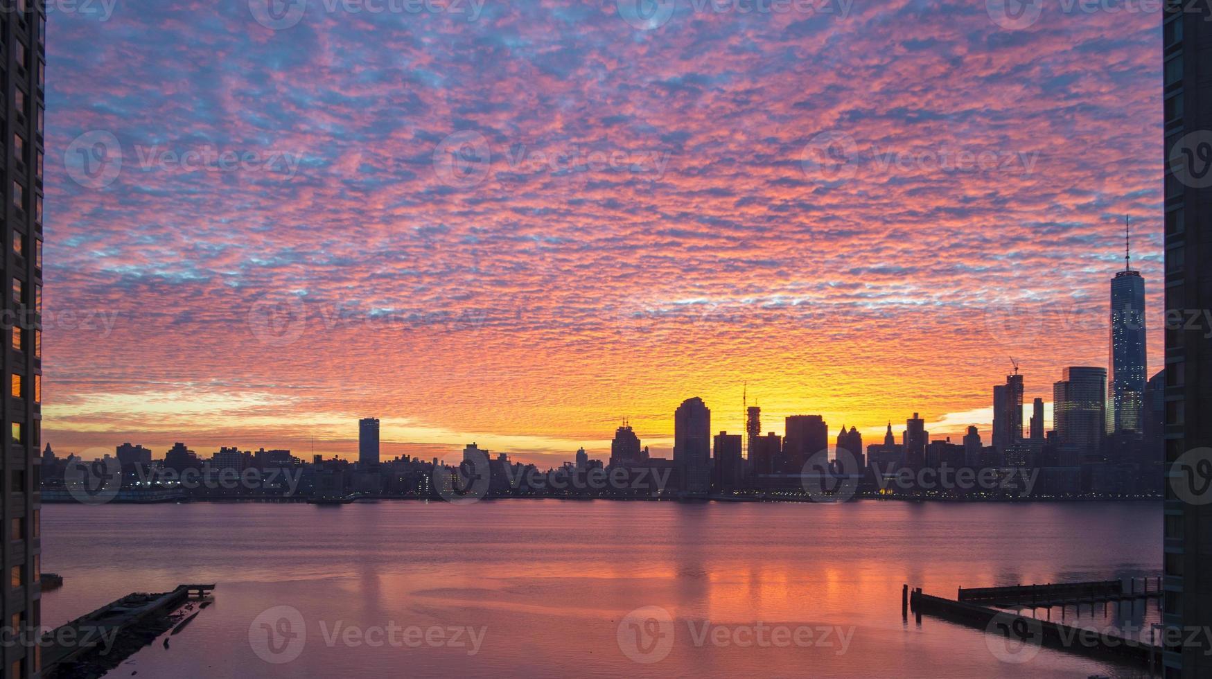 panorama colorato alba da sogno di Manhattan dal New Jersey foto