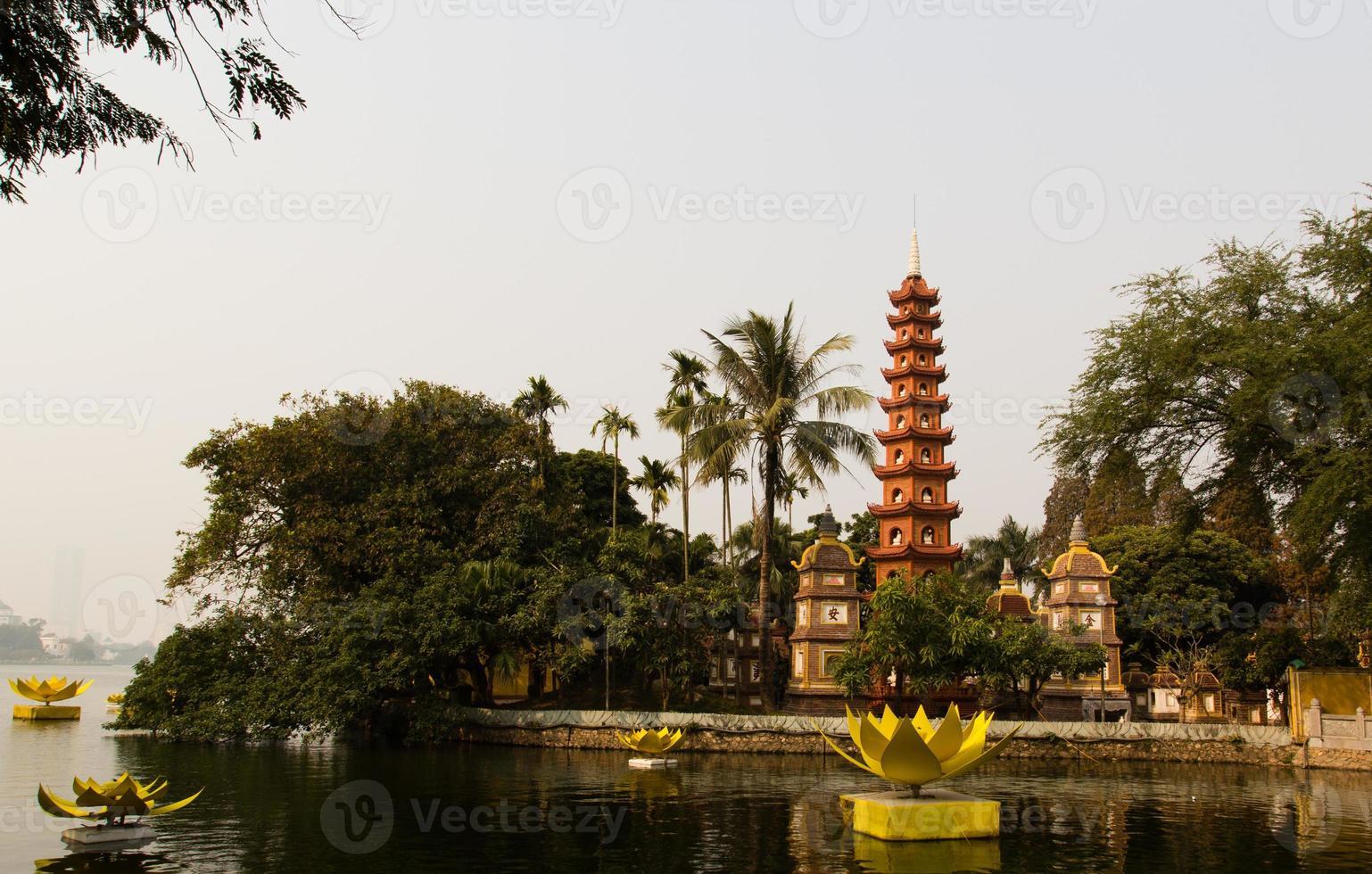 Tran Quoc Pagoda, Hanoi, viet nam foto