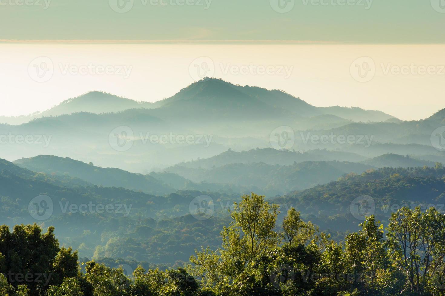 strati di montagna foto