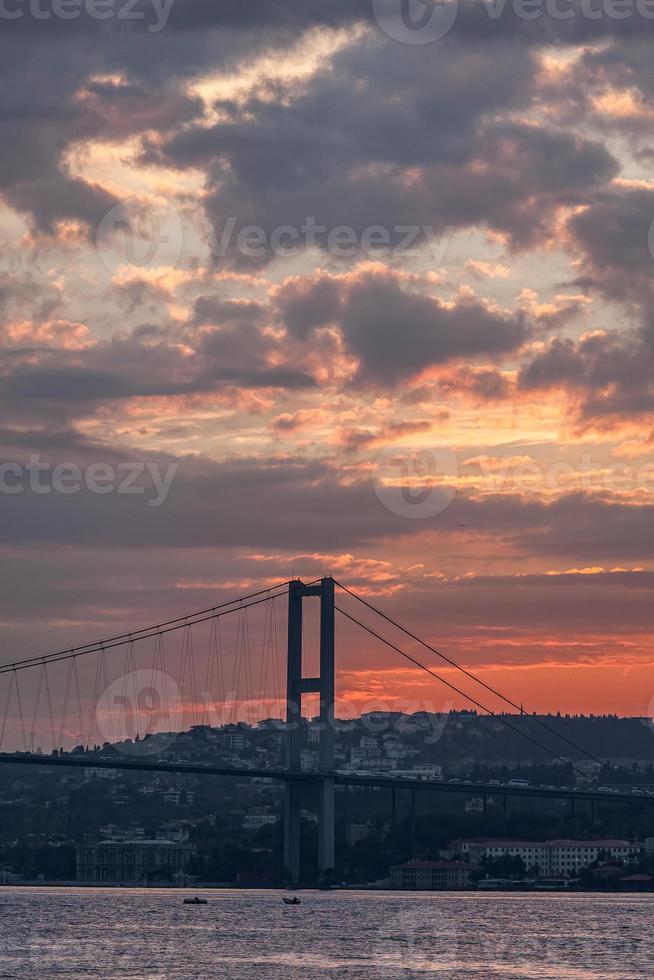 ponte sul Bosforo Istanbul foto