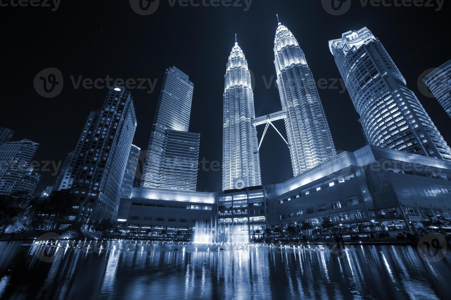 torri di Petronas a Kuala Lumpur foto