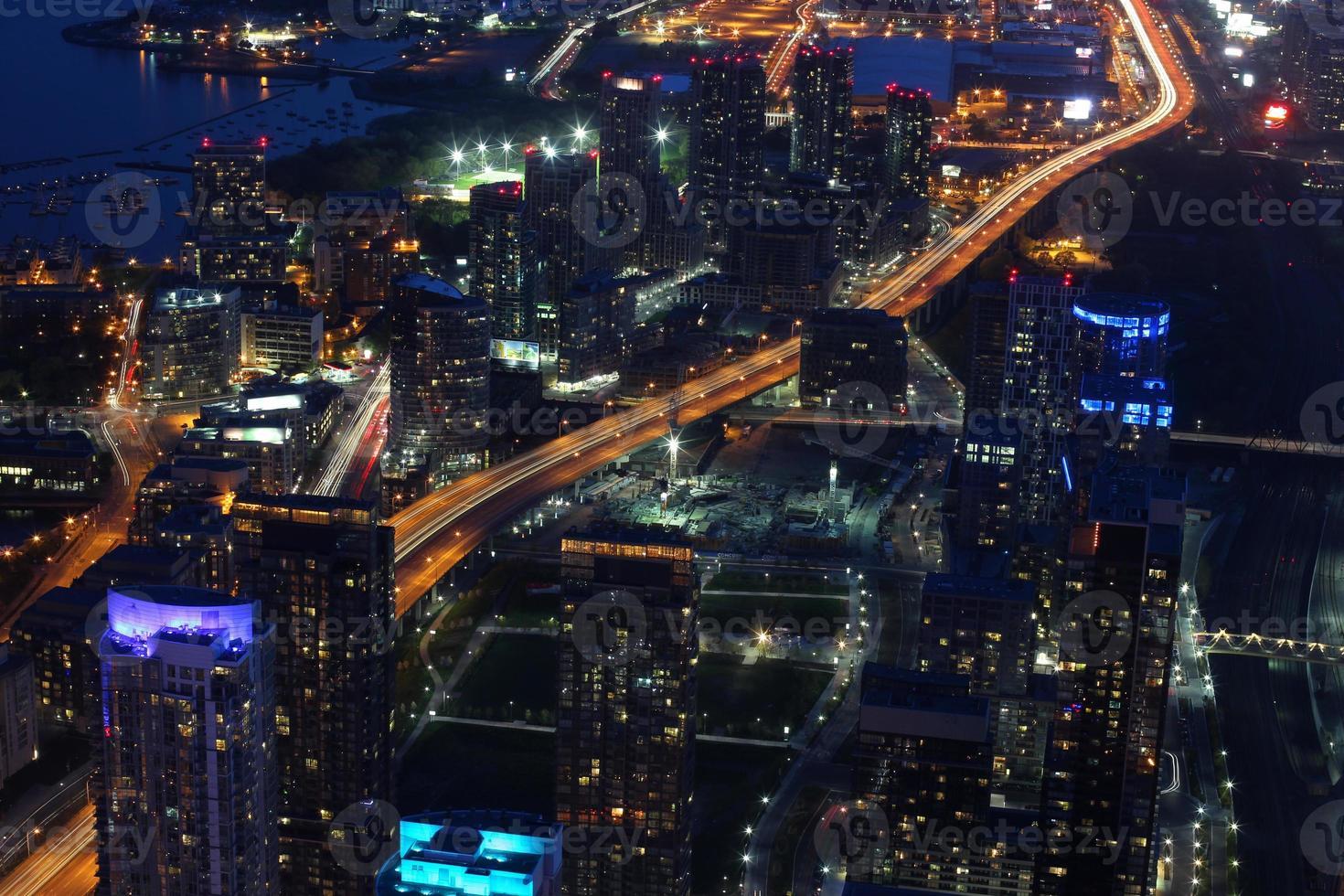 City Scape durante la notte di Toronto, Canada foto