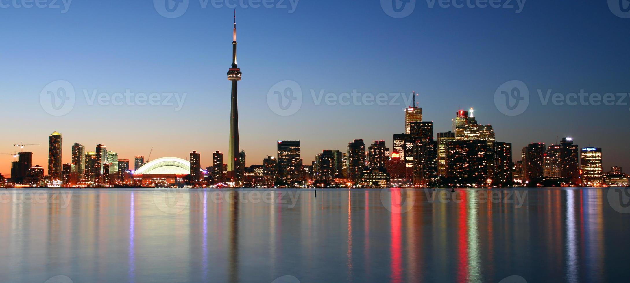 skyline di Toronto al tramonto foto