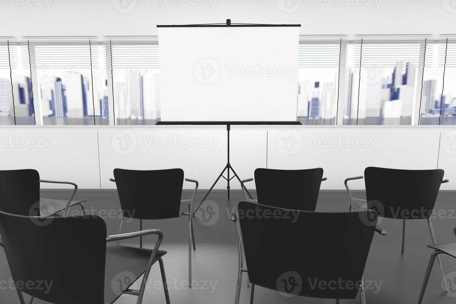 schermo di proiezione e sedie foto