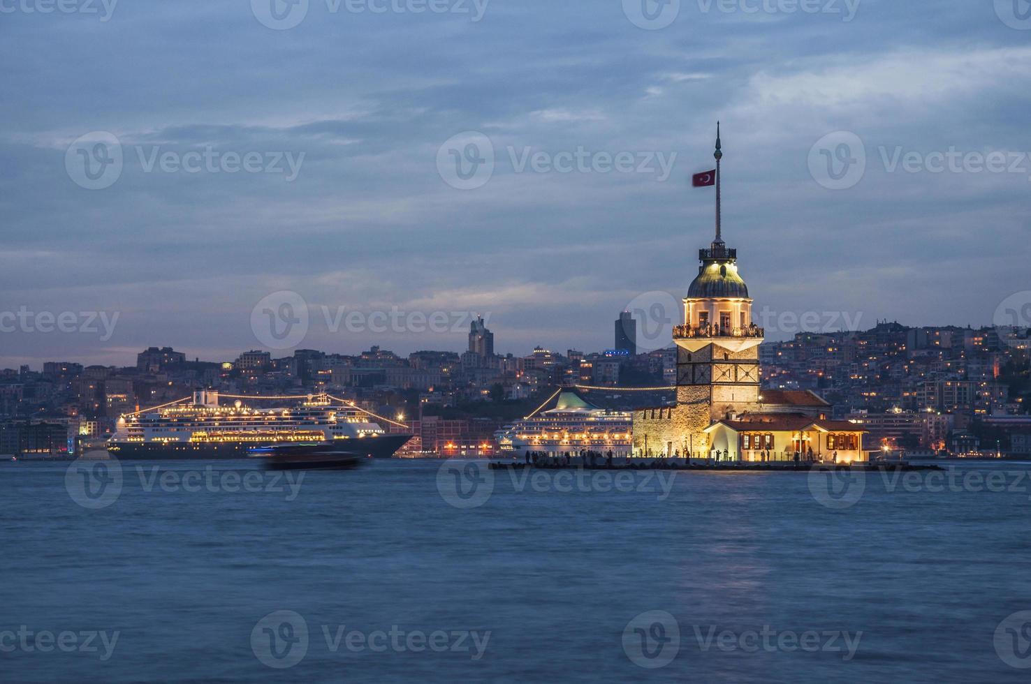 torre della fanciulla, istanbul - turchia foto