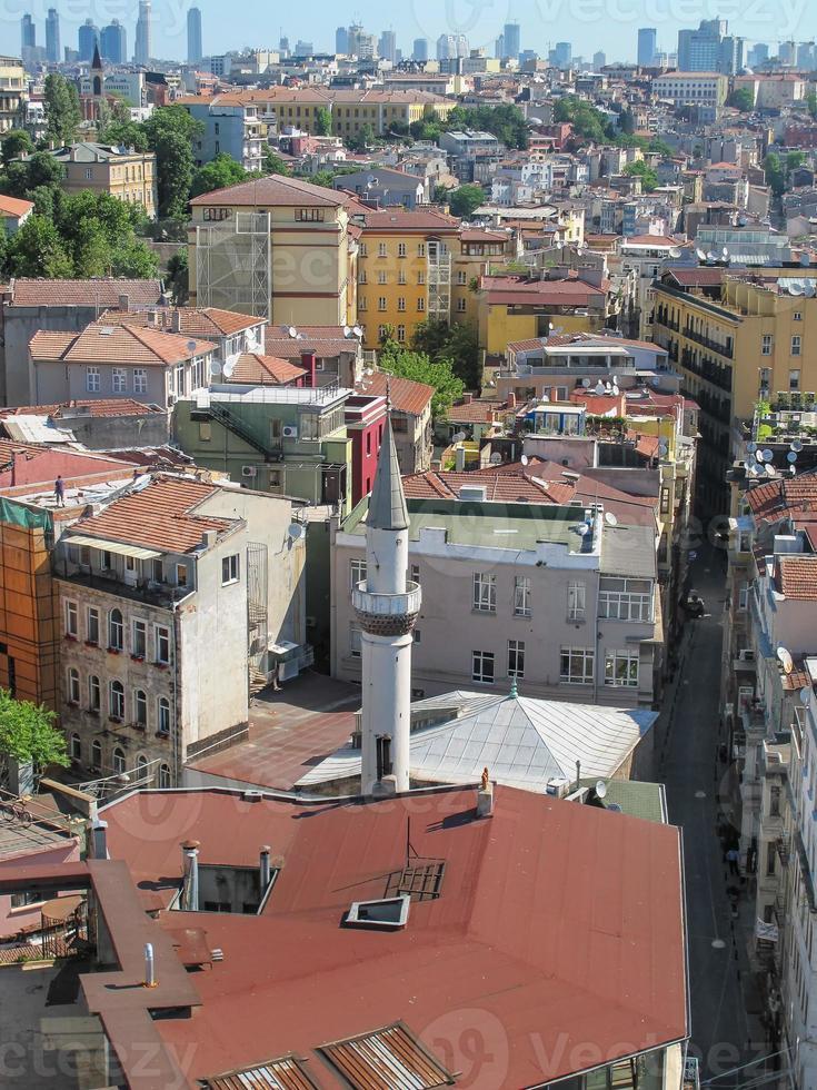 vista della città di Istanbul dalla torre di galata foto
