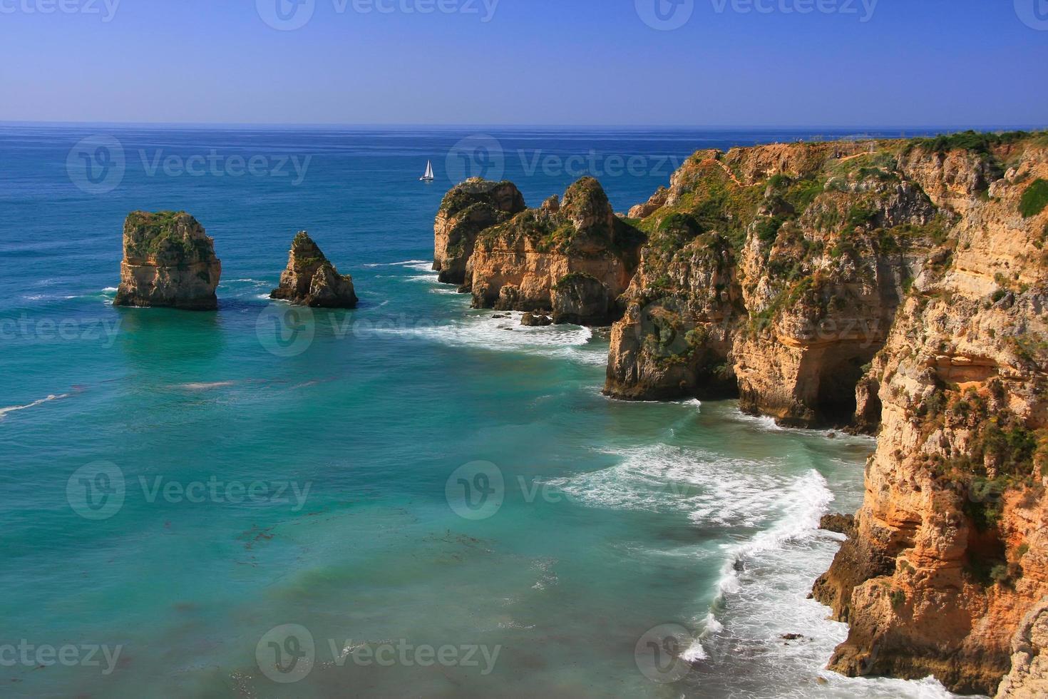 Ponta de Piedade a Lagos, regione dell'Algarve, Portogallo foto