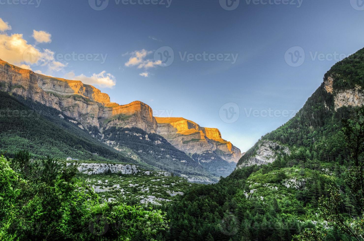 colline al tramonto foto