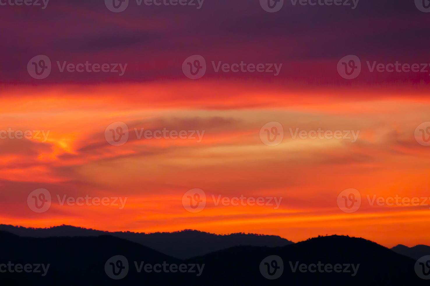 Cirrostratus tramonto foto