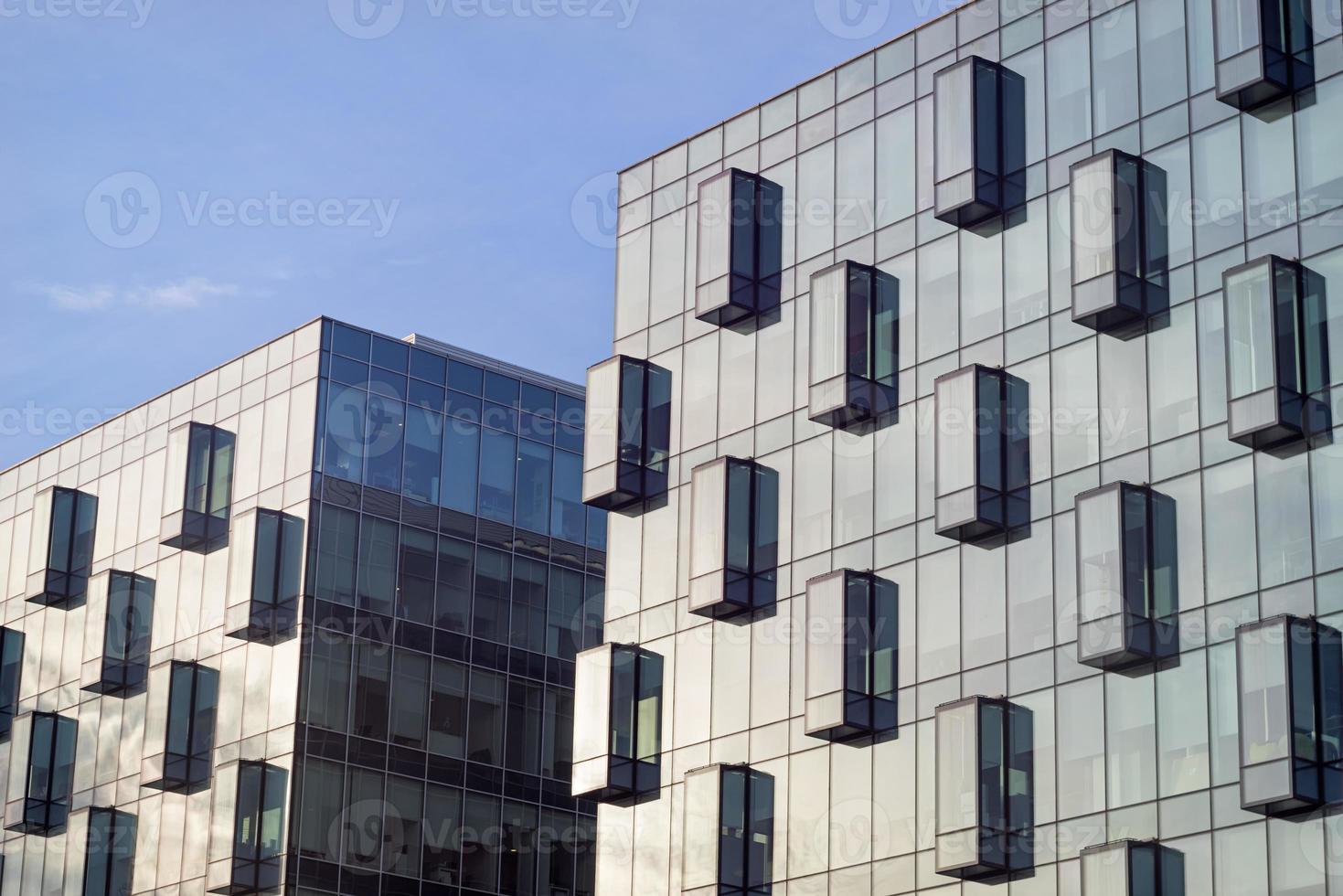 facciate di vetro degli edifici per uffici foto
