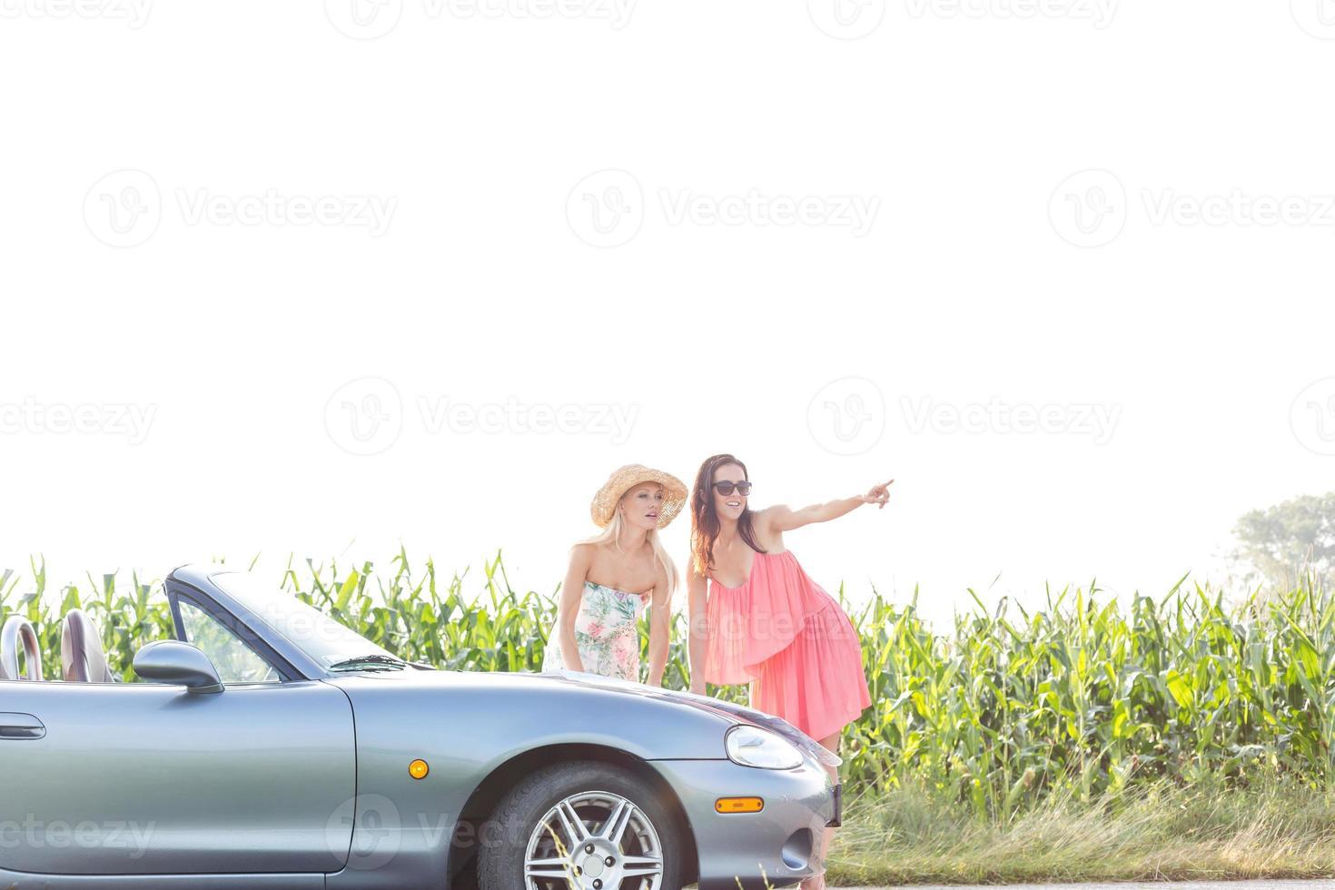 viaggio su strada femminile foto