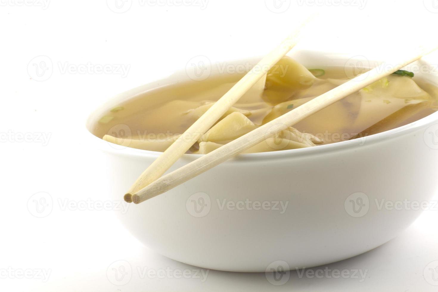zuppa di wonton da togliere foto