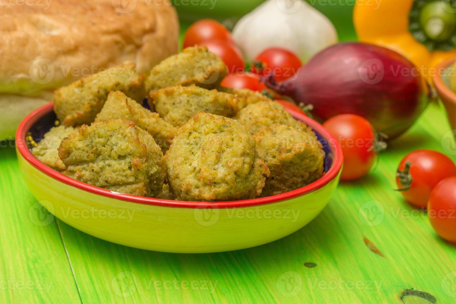 falafel e altri ingredienti mediorientali foto
