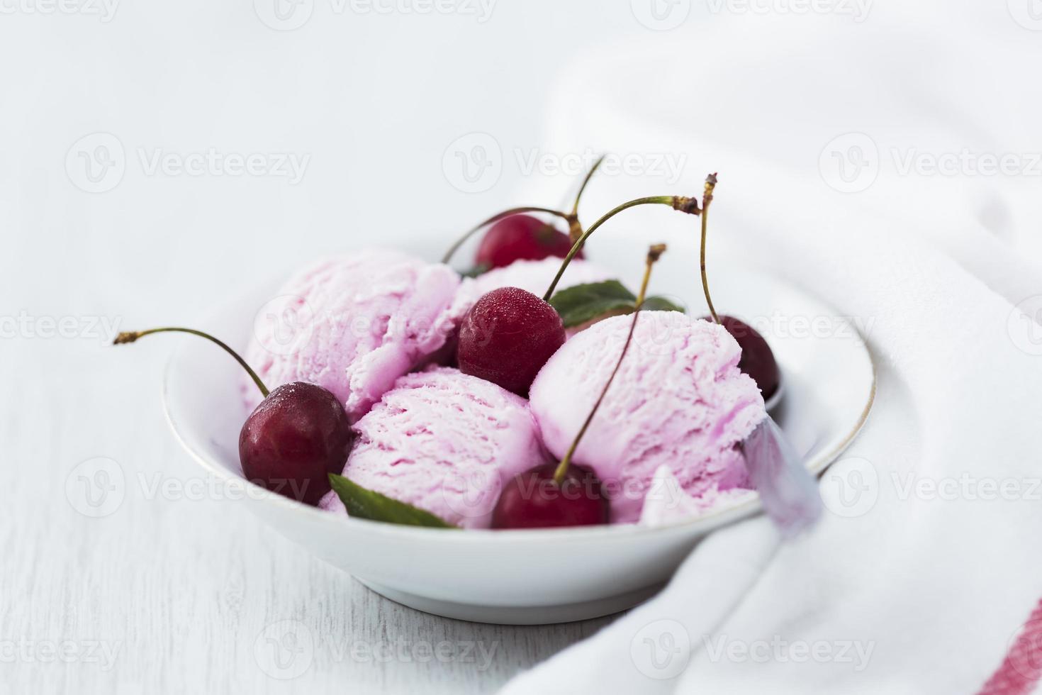 gelato alla ciliegia foto