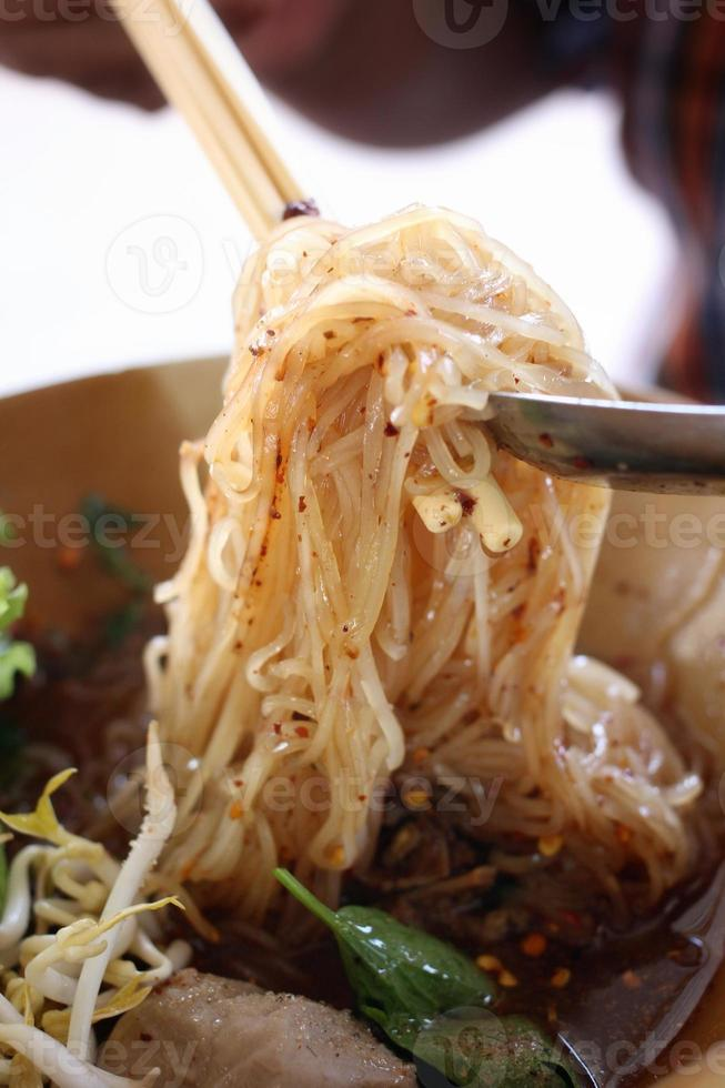 Noodles di carne foto