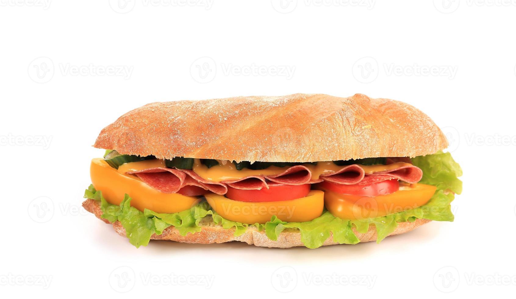 panino con prosciutto, formaggio e pomodoro. foto