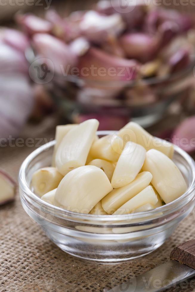 porzione di aglio pelato foto