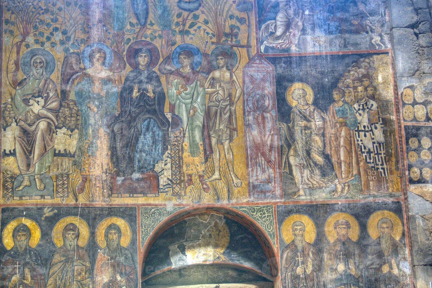 affresco all'interno del monastero di Akhtala foto