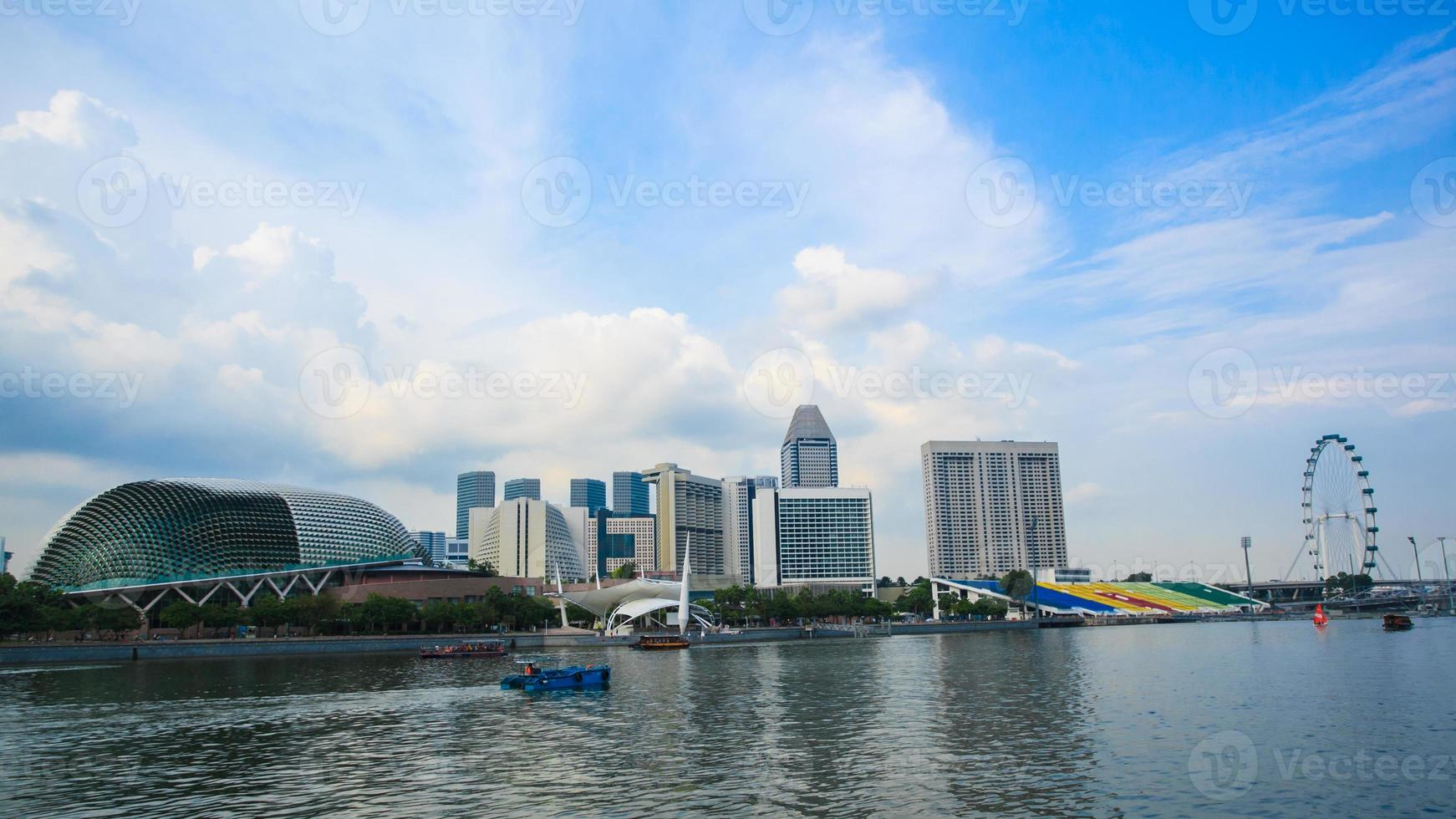 teatri esplanade di singapore sulla baia marina foto