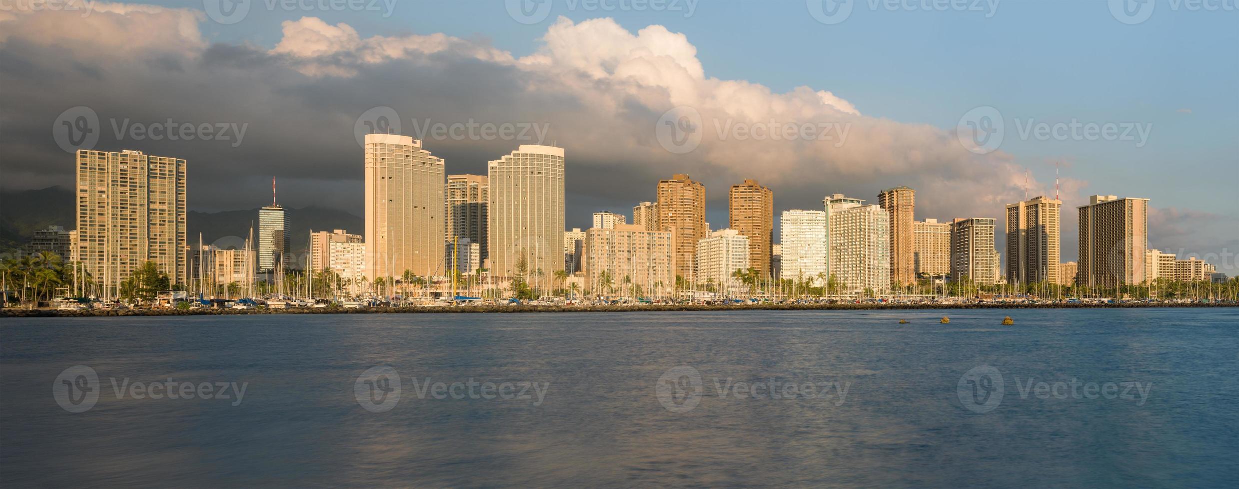 panorama di waikiki honolulu hawaii foto