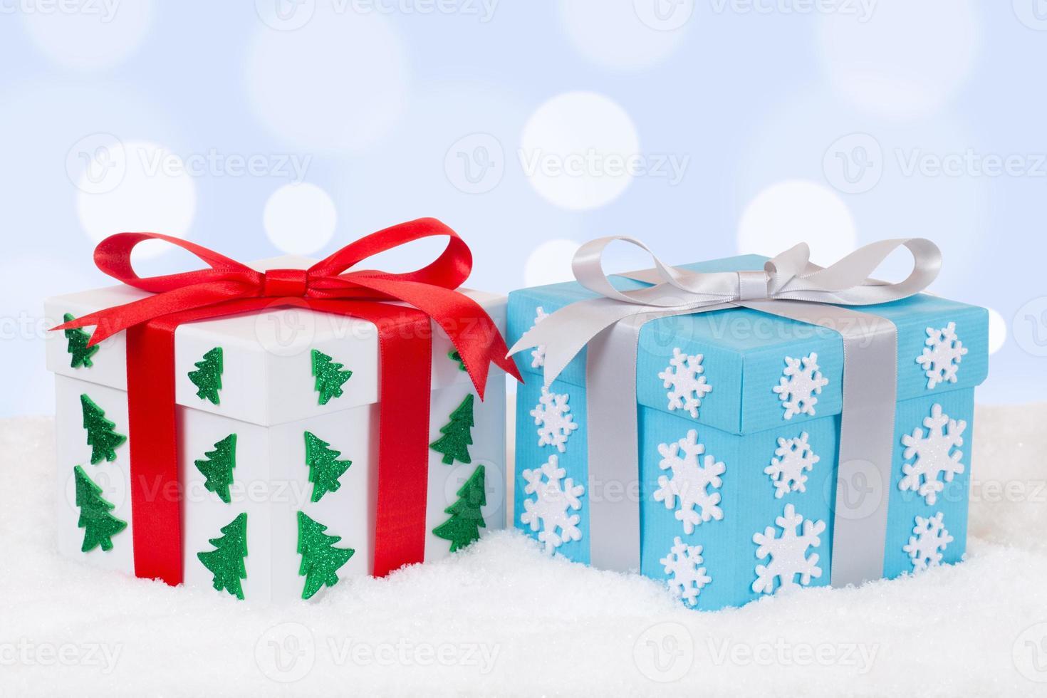 decorazione dei regali di natale con copyspace foto