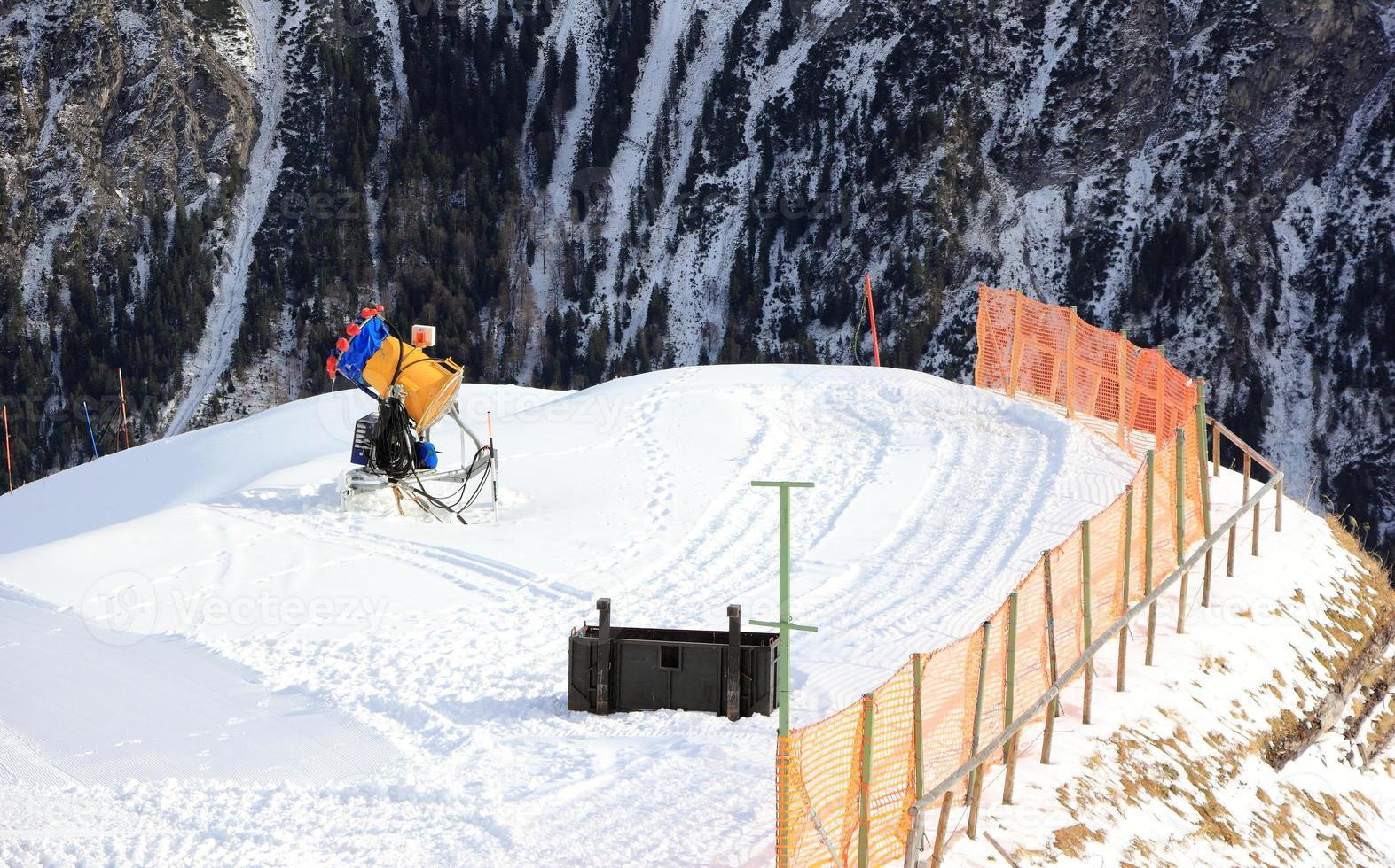 pistola da neve. la montagna del fellhorn in inverno. Alpi, Germania foto