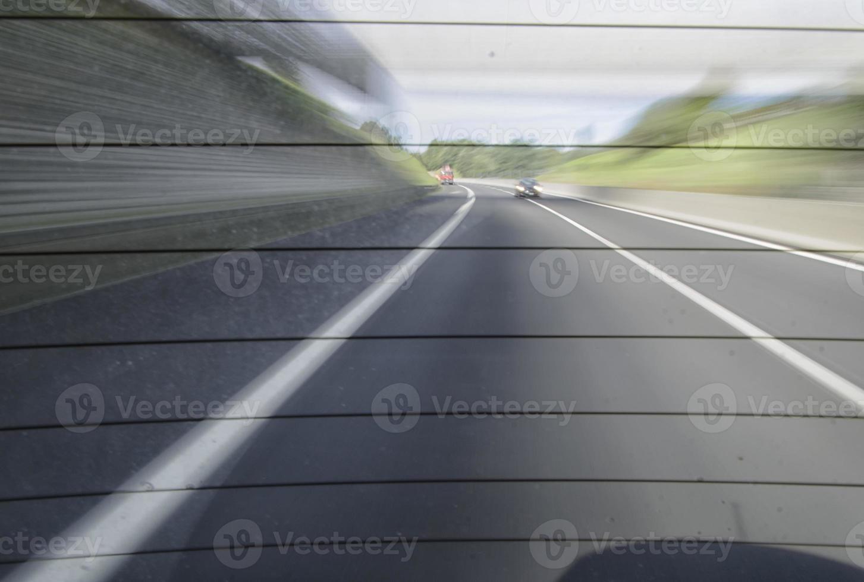 traffico su un'autostrada italiana foto