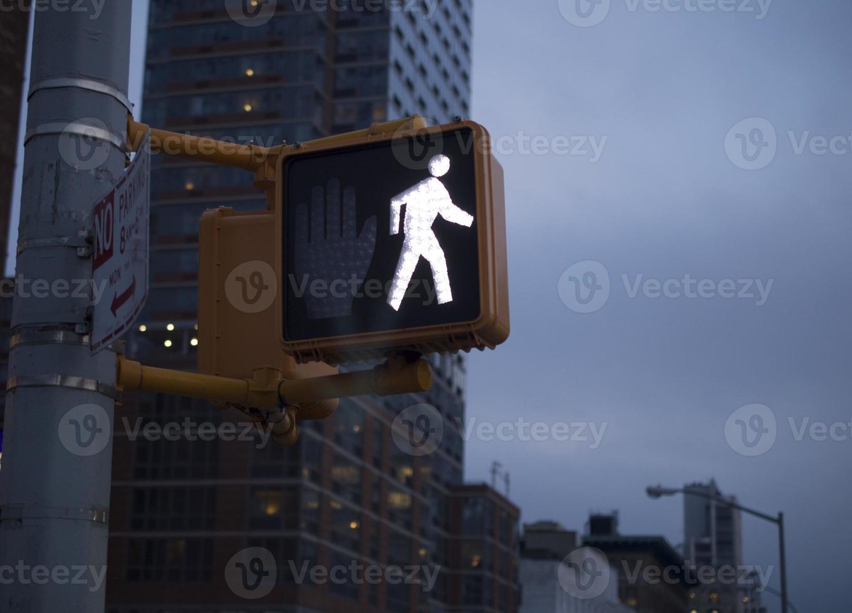 luce del passaggio pedonale di New York City foto