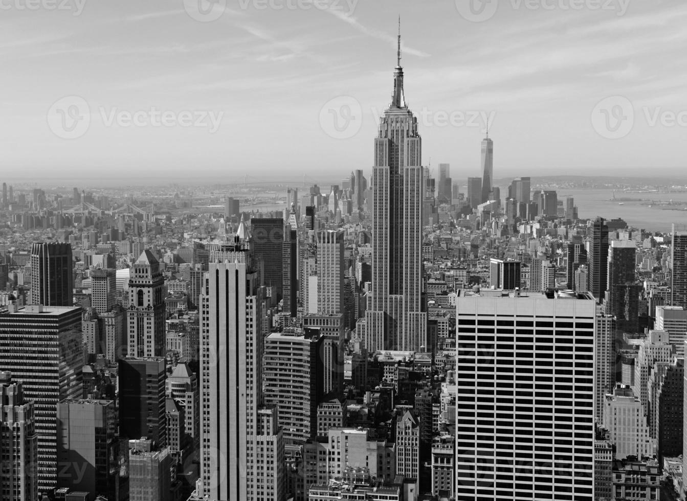 edifici ben confezionati e skyline di manhattan, new york city foto