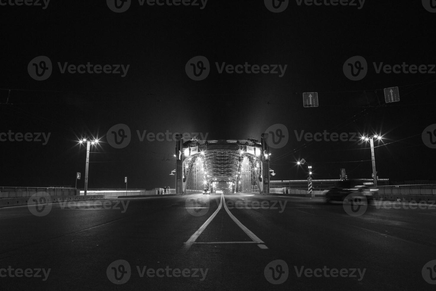 ponte notturno foto