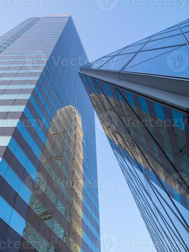 skyskrapers moderni riflettenti a Hong Kong foto