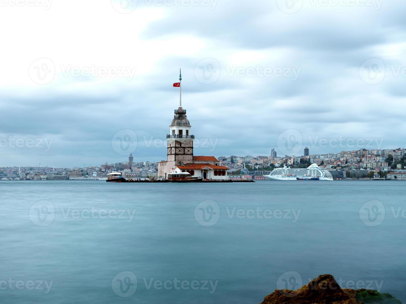 torre della fanciulla di istanbul foto