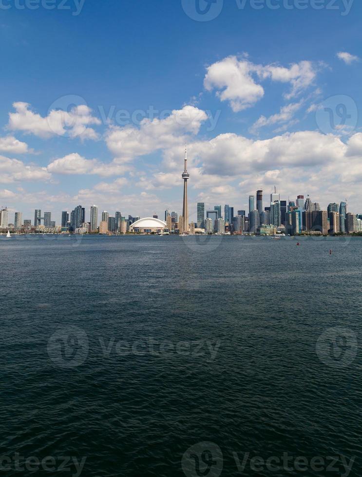 skyline di toronto verticale foto