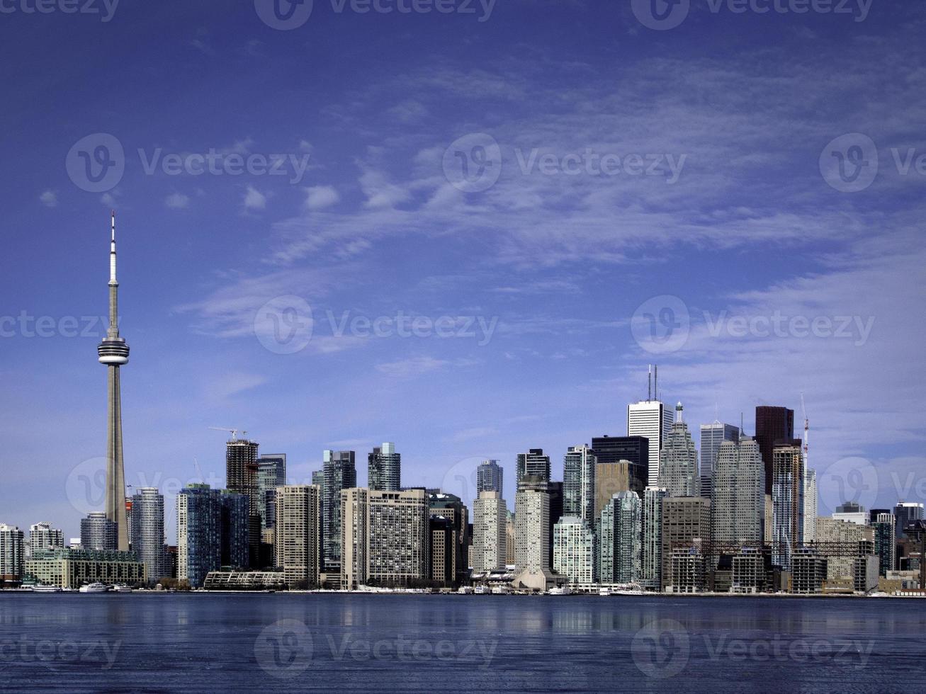 skyline del centro di Toronto che mostra la cn tower foto