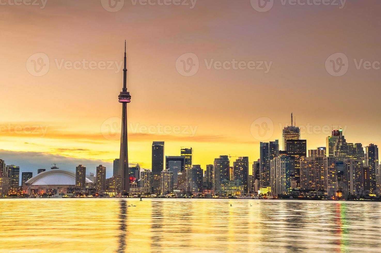 skyline della città di Toronto al tramonto foto
